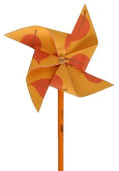 Free printable templates and instructions for kids to make pinwheels with autumn themed images and colors. Halloween Kids, Happy Halloween, Halloween Party, Halloween Decorations, Autumn Activities For Kids, Preschool Ideas, Craft Ideas, Crafty Craft, Crafting