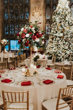 Winter Wedding at The University Club of Chicago by Life In Bloom and Kristina Taheri Special Events