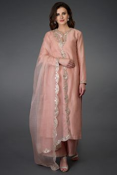 Pressed Rose Gota Patti and Mirror Work Farshi Palazzo Suit Kurta Designs Women, Blouse Designs, Embroidery Suits, Embroidery Designs, Indian Dresses, Indian Outfits, Pakistani Dresses Party, Punjabi Suits Party Wear, Modele Hijab