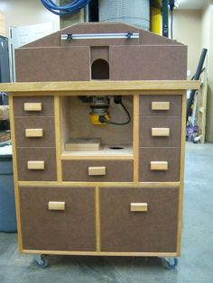 Router Table (variation of Norm Abrahms)