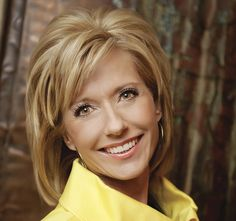 new beth moore hairstyle Medium Short Hair, Medium Hair Cuts, Short Curly Hair, Short Hair Cuts, Medium Hair Styles, Curly Hair Styles, Thin Hair, Hair Images, Hair Pictures