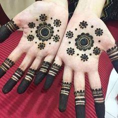 Easy Mehndi Designs, Latest Mehndi Designs, Bridal Mehndi Designs, Mehendi Designs For Kids, Circle Mehndi Designs, Palm Mehndi Design, Henna Tattoo Designs Simple, Indian Mehndi Designs, Mehndi Designs For Beginners