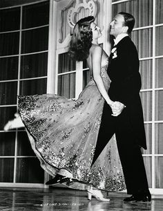 Fred Astaire & Rita Hayworth or Photo Print Dancing Couple Hollywood Classic, Elegant Portrait Fred Astaire, Rita Hayworth, Old Hollywood Glamour, Vintage Hollywood, Classic Hollywood, Hollywood Couples, Hollywood Style, Shall We Dance, Just Dance