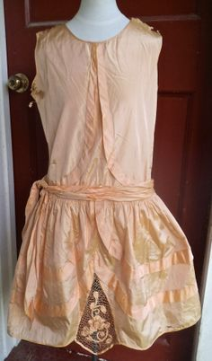 1920s Silk Peach Robe de Style Dress