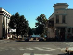 Lots of great shops and cafes along the Ohio River in Downtown Newburgh, Indiana