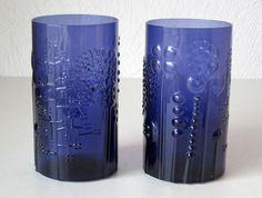Oiva Toikka (born in Carelia is a highly respected Finnish glass designer. Bird Design, Glass Design, Cobalt Glass, Cobalt Blue, Stained Glass Crafts, Scandinavian Art, Blue Bottle, Glass Ceramic, Blue Art