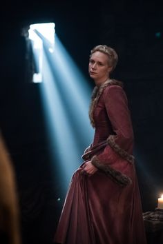 Game of Thrones - Season 3 Episode Brienne of Tarth Game Of Thrones Brienne, Game Of Thrones Dress, Brienne Of Tarth, Game Of Thrones Tv, Lady Brienne, Jaime And Brienne, Jaime Lannister, Winter Is Here, Winter Is Coming