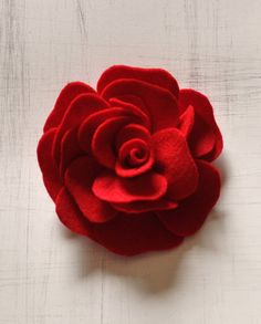 Red Rose felt flower pin