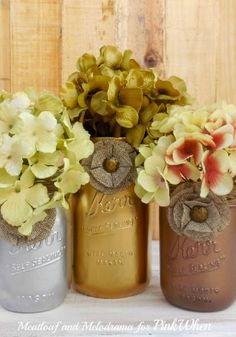 DIY Rustic Glam Mason Jars are a super cute and easy craft to spruce up any party table this fall!