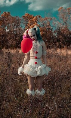 Pennywise-esque Harley cosplay