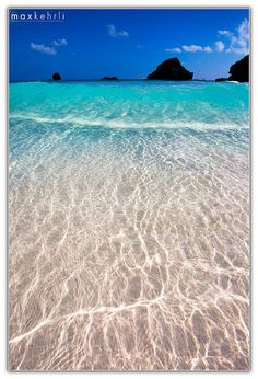 The beaches of Bermuda. Tropical vacation. Tropical waters. Honeymoon destination. Dream vacation. Tropical island.