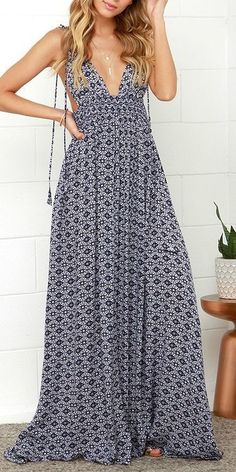 Navy and white plunge maxi. Spring summer 2016.  Stitch fix fashion trends. Resort wear.  Want!                                                                                                                                                      More