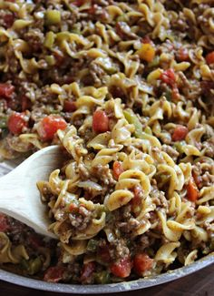 Beefy Noodle Skillet Meal. If you are in need of the perfect 30 minute dinner idea that's satisfying, delicious and simple, then this Beefy Noodle Skillet Meal is for you! #skilletmeals #dinnerrecipes #easydinnerideas #familymeals #noodles #skilletrecipes #easydinnerrecipes #dinnerrecipes