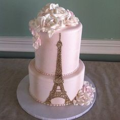 Paris Themed Quince Cakes: Love at First Bite Paris Birthday Cakes, Paris Themed Cakes, Paris Birthday Parties, Paris Cakes, Paris Party, Paris Theme Parties, Theme Cakes, Paris Sweet 16, Bolo Paris
