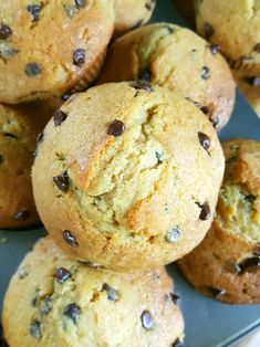How to make big bakery style sour cream chocolate chip muffins from scratch without a mixer! Soft, moist, fluffy café style muffins with big, crispy tops. Sour Cream Muffins, Sour Cream Pound Cake, Baked Sour Cream Donut Recipe, Recipes Using Sour Cream, Sour Cream Desserts, Muffin Recipes, Baking Recipes, Dessert Recipes, Moist Chocolate Chip Muffins
