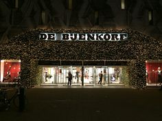 Dutch luxury departement store De Bijenkorf ready for Christmas Rotterdam, The Netherlands #luxuryretail #departmentstore #debijenkorf #christmaswindow