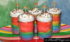 The cake in a Jar concept is absolutely awesome! The glass jars have layered cakes baked with different colors, making it an attractive piece to offer along with the yumminess! Just dig your spoon and hog on! It is that simple!