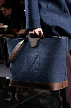 The Style in the detail of man bags.