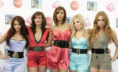 Frankie Sandford Photos Photos - (L-R) Vanessa White, Frankie Sandford, Rochelle Wiseman, Mollie King and Una Healy of The Saturdays pose backstage at T4 on the Beach on July 19, 2009 in Weston-Super-Mare, England. - T4 On The Beach