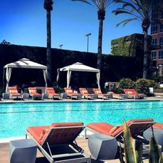 Hot #sandiego days are best spent poolside.