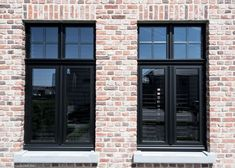 Shared by www. House Windows, Facade House, Windows And Doors, Black Windows, Black Window Frames, Casa Loft, Glass Extension, Dutch House, Interior Windows