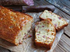 Questo plumcake al salame e formaggio è una torta salata rustica, perfetta per una merenda, un brunch domenicale o una cena informale tra amici.