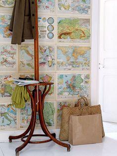 Best-of-Sweet-Home: Wohnen im Land der Karten Happy Turtle, Map Crafts, Sweet Home, Map Wallpaper, Hallway Wallpaper, Bedroom Wallpaper, Map Globe, Old Maps, Vintage Maps