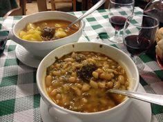 En las experiencias rurales de NansaNatural hay también la posibilidad de disfrutar de la gastronomía tradicional, como por ejemplo el cocido montañés de Casa Molleda. (@nansanatural)   Twitter Cheeseburger Chowder, Soup, Twitter, Natural, Gastronomia, Home, Traditional, Tourism, Soups