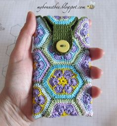 How to Crochet Mobile Cell Phone Pouch for iPhone Samsung - Crochet Ideas Crochet Phone Cover, Crochet Case, Bag Crochet, Crochet Hook Set, Love Crochet, Crochet Gifts, Beautiful Crochet, Single Crochet, Crochet Designs
