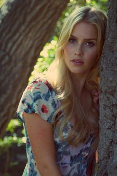 Claire Holt (The Originals) Beautiful Celebrities, Beautiful Actresses, Beautiful People, Beautiful Women, Pretty People, Claire Holt, Vampire Diaries, Indiana Evans, Danielle Campbell