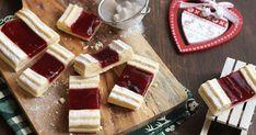 Lurpak® Karácsonyi menü :  3. Sütemény  »HOZZÁVALÓK«  Linzer :  - 20 dkg liszt  - 5 dkg darált mandula  - 15 dk...