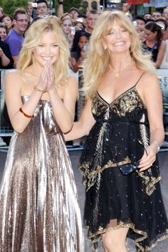 Famous  Gorgeous Mother -Daughter duo Kate Hudson ♥ Goldie Hawn