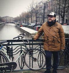ΠΟΙΟΣ ΕΙΜΑΙ - ΓΙΑΝΝΗΣ ΜΑΘΑΣ Winter Jackets, Winter Coats, Winter Vest Outfits