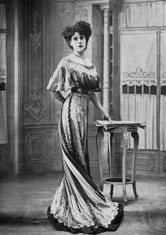 Fashion, 1908