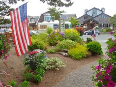 the shops at Cannon Beach
