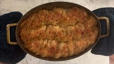 How to make Cheesy Potato Gratin - Step 10 Parmesan Potatoes, Cheesy Potatoes, Sliced Potatoes, Baked Creamed Corn Casserole, Cream Corn Casserole, Potato Gratin Recipe, Cheesy Crust, Spoon Fork Bacon, White Cheddar Cheese