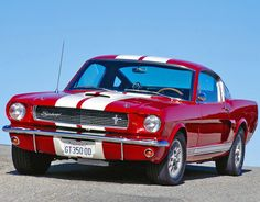 Fast red Mustang '65