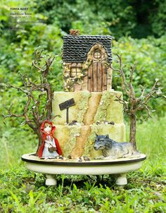 Little Red Riding Hood Fairytale Cake 2  | Cake Central Magazine | Volume 4 Issue 10 - October 2013