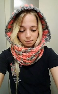 Have a look at the uniquely created cowl, with the eye-catching combination. The colors of the yarn used for creating this inspiring crocheting idea of cowl are light, but they are giving an attractive look to the product that the girl wearing. It is not hard to create.  #cowl #crochetcowl #crochet #crocheting #crochetpattern #crossstitch #crochet