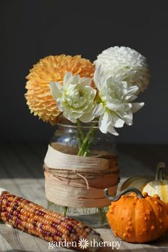 Fall Mason Jar Idea – Corn Husked Wrapped Jar