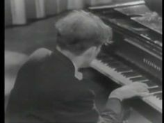 "Glenn Gould - 16. Beethoven, Piano Sonata No.17, Op.31 ""Tempest"" [ 1960 ] - YouTube"