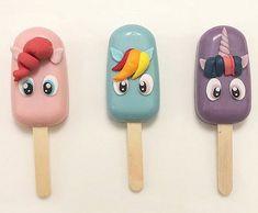 my little pony cakesicles Bolo My Little Pony, My Little Pony Party, Ice Cream Pops, Ice Pops, Cakepops, Paletas Chocolate, Magnum Paleta, Cute Desserts, Salty Cake