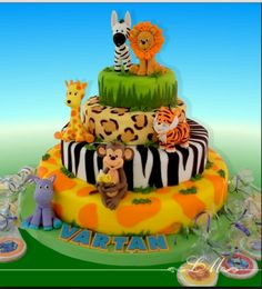 of jungle animals. - cake of jungle animals. Jungle Theme Cakes, Safari Cakes, Safari Theme, Safari Birthday Party, Jungle Party, Bolo Original, Cupcakes Decorados, First Birthday Cakes, Animal Party