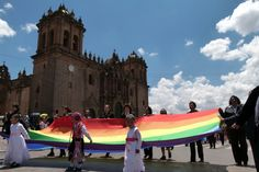 Large Cuzco flag from ground level