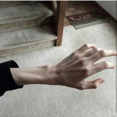 Hombres con las manos asi, apoko no karnal