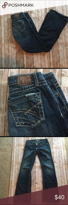 BKE Stella Jeans GUC, please see pics for minor wear, back bottom legs a bit of white stitching coming lose and a bit worn not noticeable, inseam 30, rise 6, leg opening 18 BKE Jeans Flare & Wide Leg