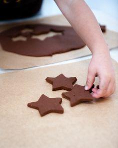 An easy Cinnamon Dough Ornament tutorial - try this holiday season!