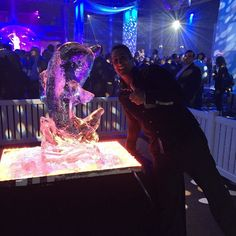 Flipper The Dolphin #ice #carving #Fashion #designer  #parties  #corporateevents #weddingplanners  #eventplanners #art