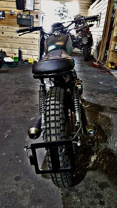 Awesome cafe racer accesorios - make sure you visit our report for lots more inspirations! Scrambler, Motorcycle Companies, Cafe Racer Build, Honda Cb, Custom Bikes, Café Racers, Awesome, Design, Graz