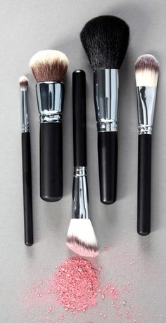 Crown Brushes ♥✤ | Keep the Glamour | BeStayBeautiful
